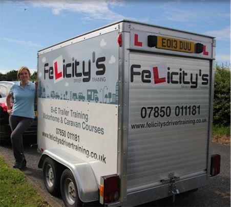 Felicity insegna a trainare rimorchi