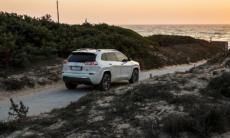 Jeep Cherokee più bella ricca e costa meno