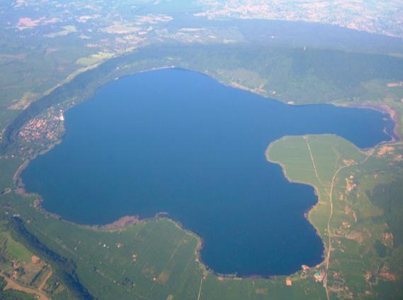 Lago di Vico in camper