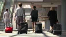 A chi di noi non capita di viaggiare, non già come sia usi, ossia per voglia di scoprire luoghi nuovi, ma semmai per lavoro? E' il caso di una giovane parlamentare italiana, l'Onorevole Augusta Montaruli. Di ritorno da una incursione in Parlamento Europeo a Strasburgo ha riflettuto sul viaggio e sui bagagli. Una riflessione che entra nel metafisico di ognuno di noi e che sarebbe opportuno ascoltare: