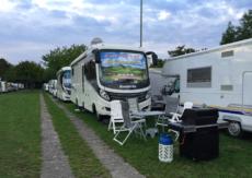 Perché in Italia chiudono sempre di più aree di sosta camper?